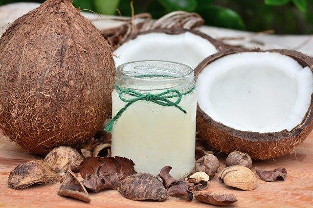 Kokos für die Zähne