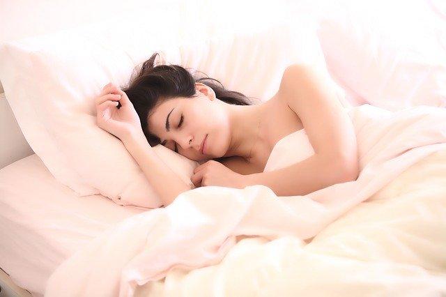 Tipps für einen besseren Schlaf im Sommer